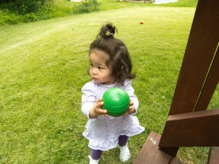 Scarlett Plays Bocce Ball 1