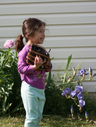 Scarlett plays baseball with first glove-2 - web