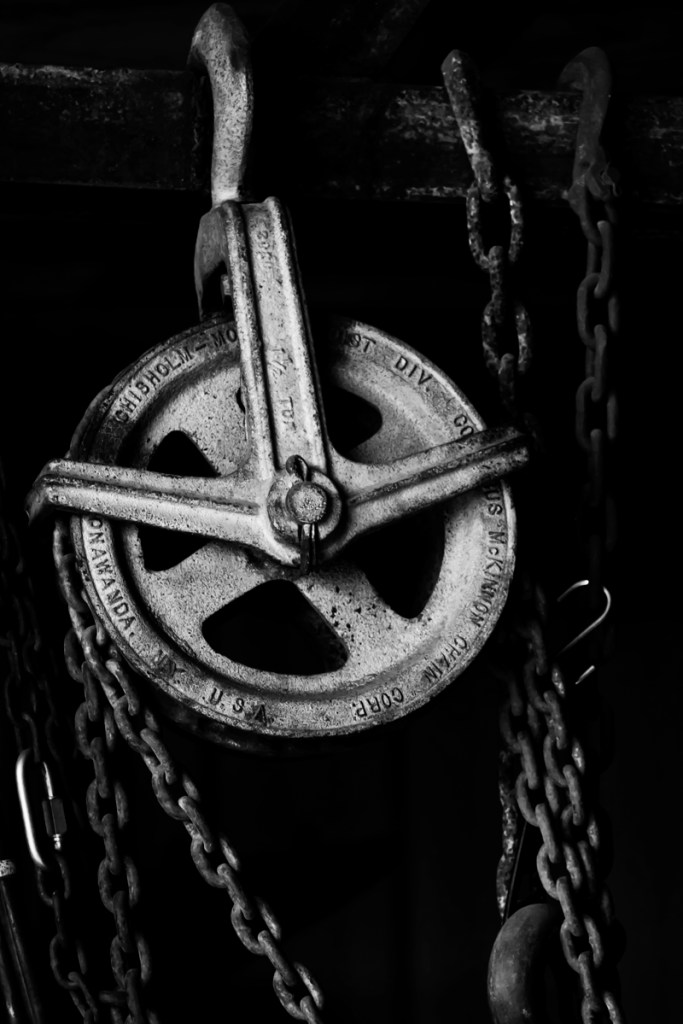 rusted-pulley-overlay-BW-100
