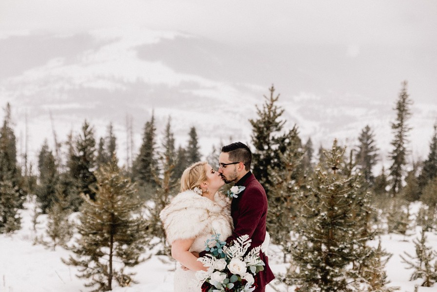 Sapphire Point elopement overlooking Lake Dillon