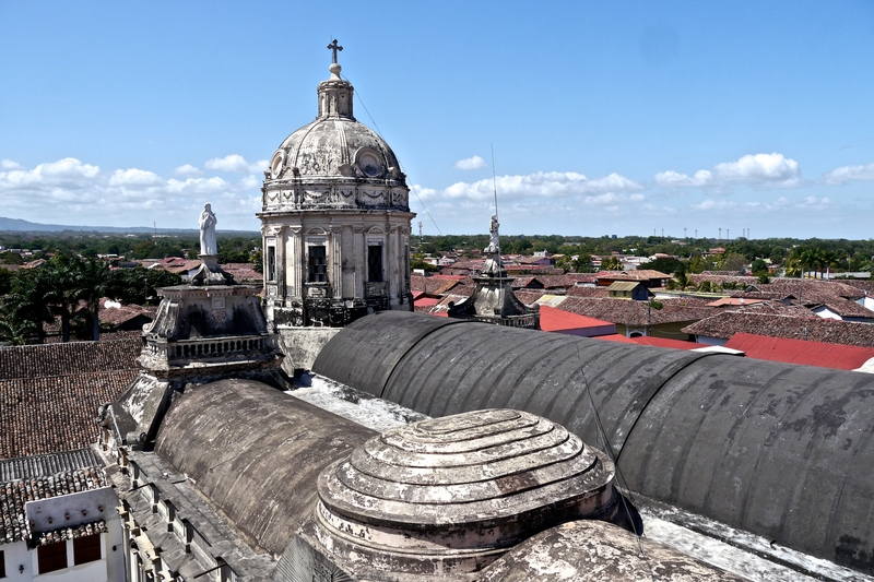 colonial-cathedral-granada-nicaragua