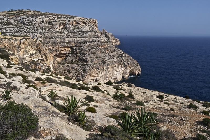 southern-malta-coastline-near-blue-grotto