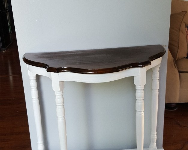 Chalk Painting Series #3: Painting an Accent Table