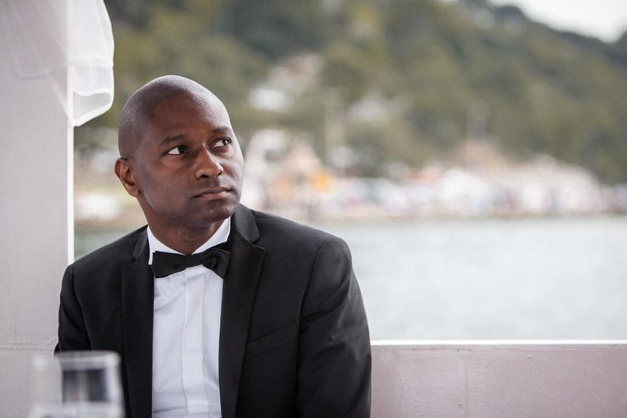 Cubuklu Hayal Kahvesi wedding: groom waiting on boat