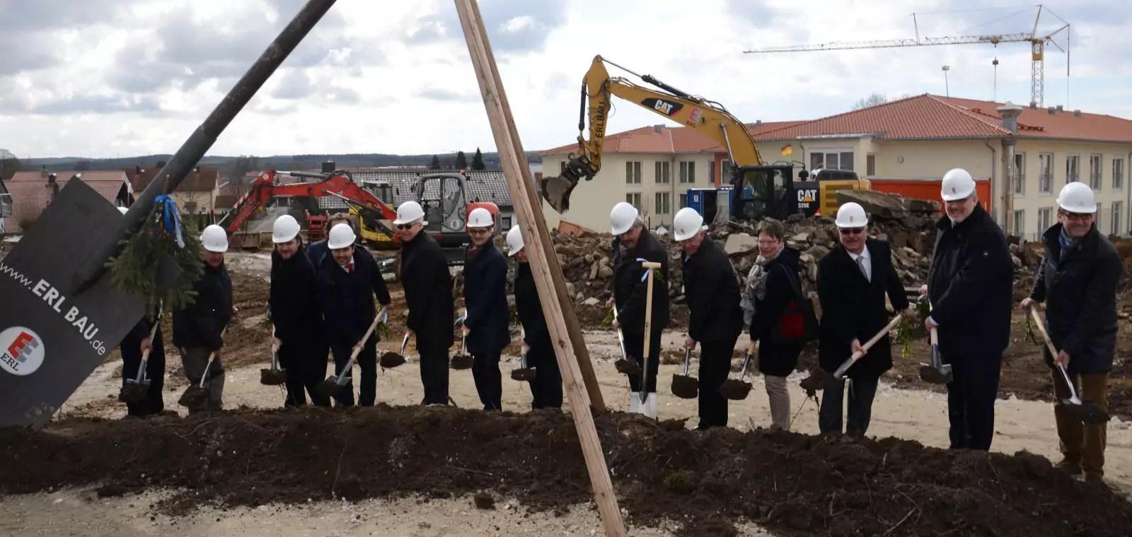 Offizieller Baubeginn mit Spatenstich des Betreuten Wohnens in Geisenfeld  ERL Immobiliengruppe