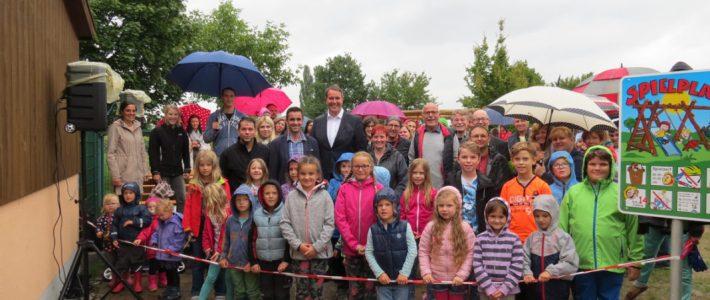 """Die Regionale Zeitung """"Pfalz-Echo"""" berichtet über die Spielplatz Eröffnung"""