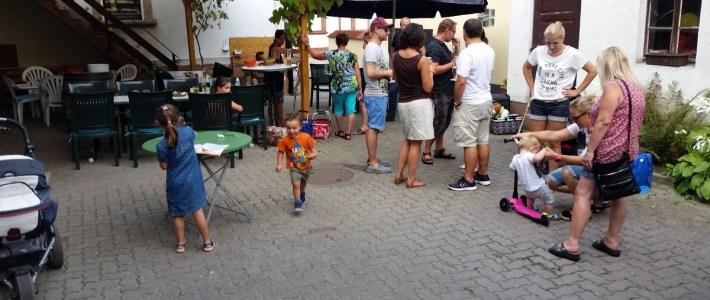 """Mit einem Grillfest bedankt sich die Gemeinde bei der Bürgerinitiative """"Gemeinsam für Erlenbach"""""""