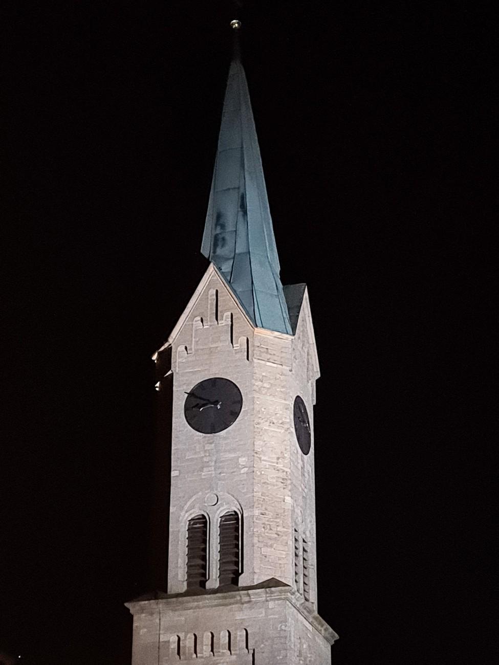 Warum Läuten Um 21 Uhr Die Kirchenglocken