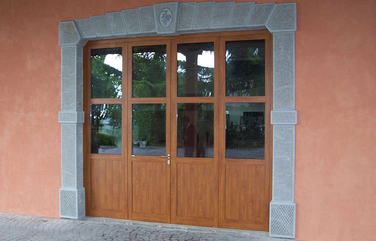 Montaggio produzione vendita portoni industriali garage basculanti udine trieste - Serrande elettriche per finestre ...