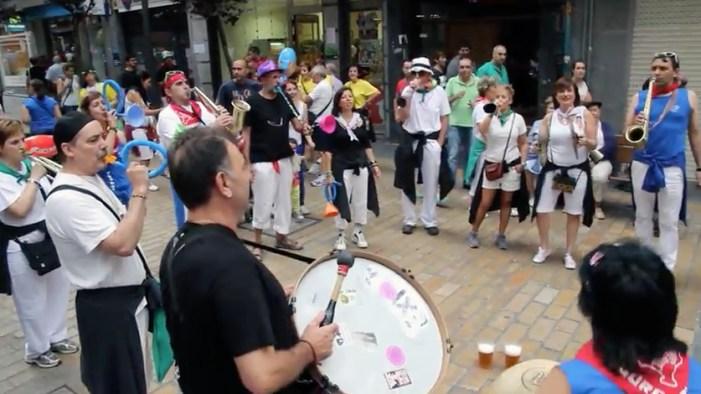 La tradición de las txarangas de Santiagos