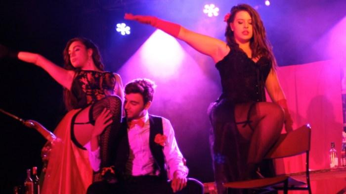 Lardaskeroak ganadores del play back con «Noche en el burdel»
