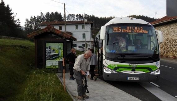 Bizkaibus habilita  todas las paradas de la A3916 en Ermua