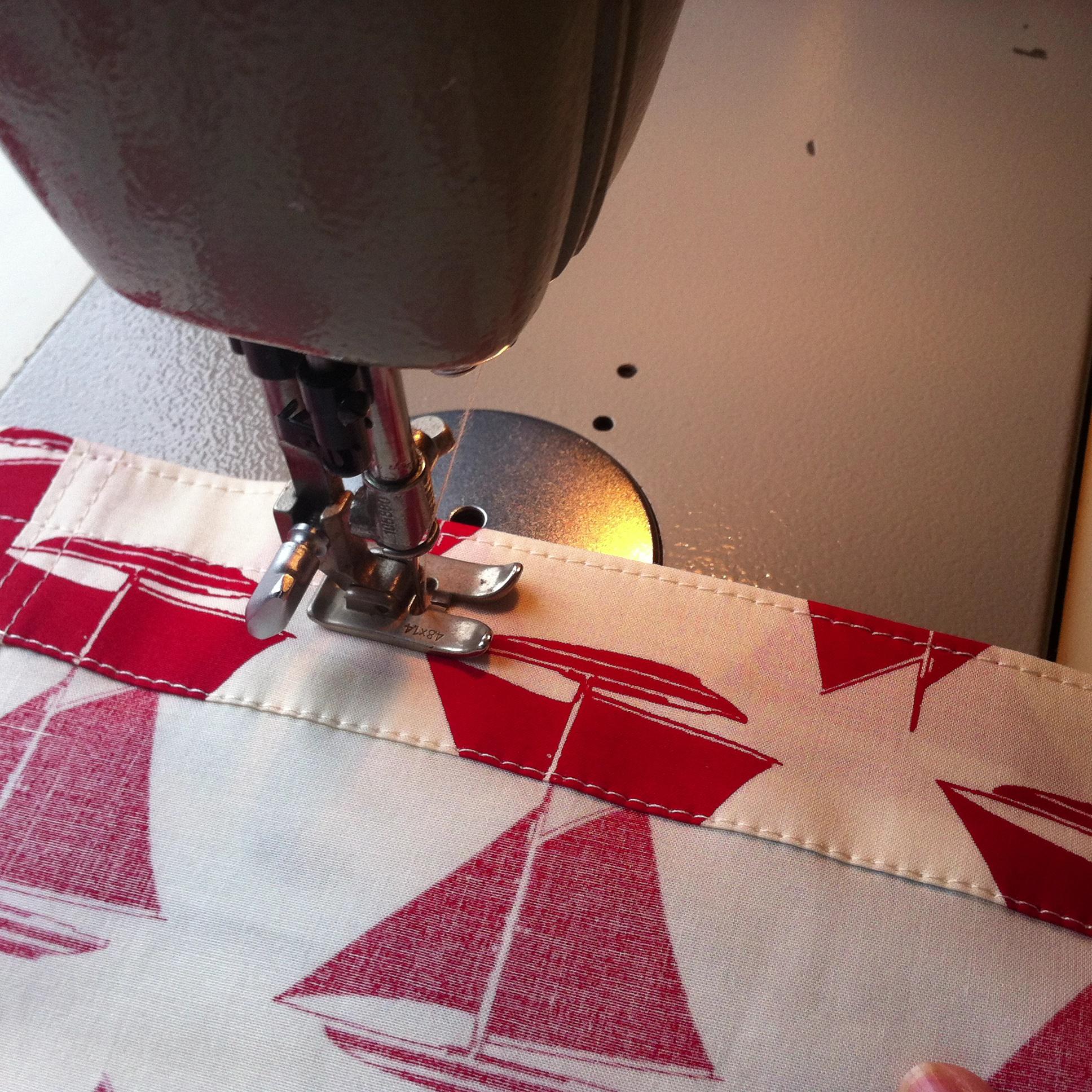 Arbeitschritt Bund naehen Set Mail Red Boxershorts