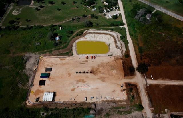 2015 Greenpeace, photo Aaron Sprecher, Encana fracking blowout Karnes Co Texas.2090