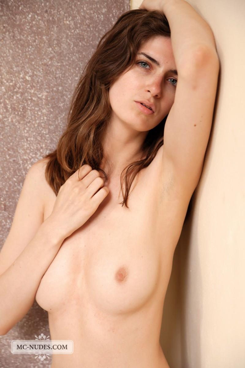 Charlotta Naked In Heels