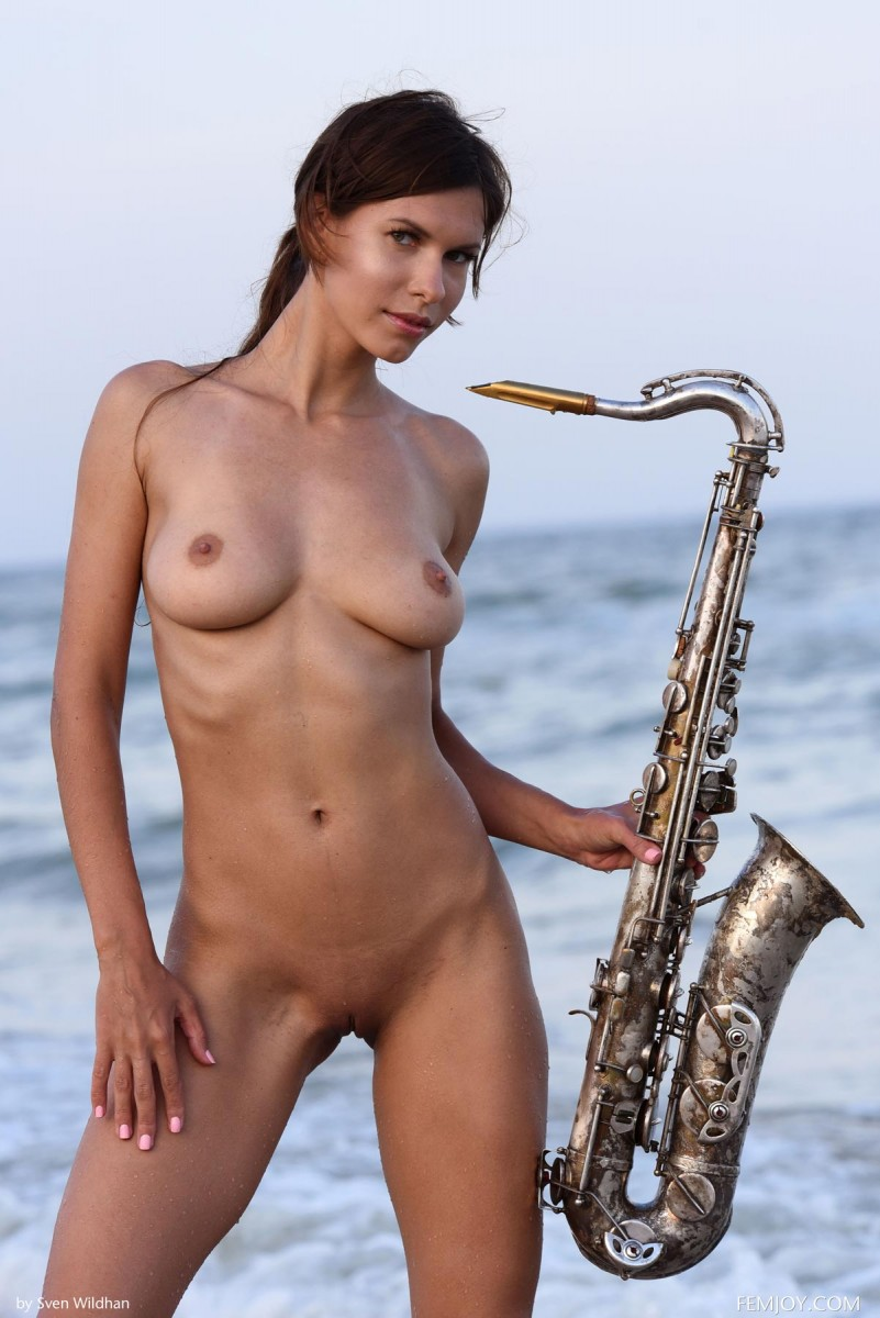 Suzanna Aya Naked with a Sax