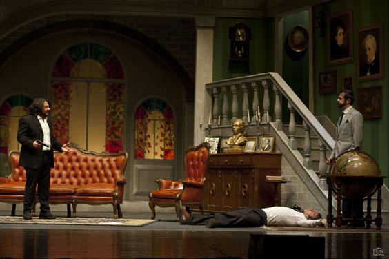 Lillo e Greg risolvono misteriosi misteri al Teatro Cilea