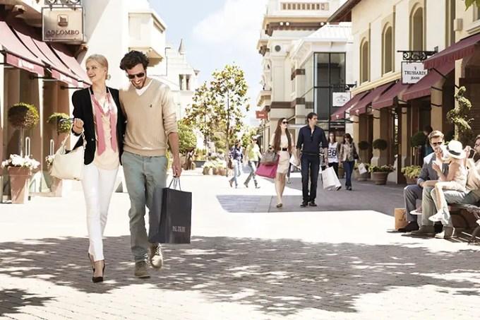 Shopping in outlet: quanto e perché conviene
