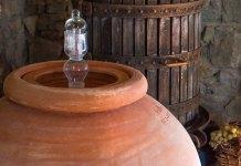 vino in anfora