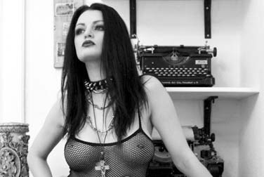 Alissa Noir Geburtstag - Eronite wünscht alles Gute