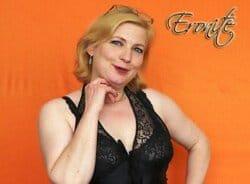 Linda Fox bei Eronite