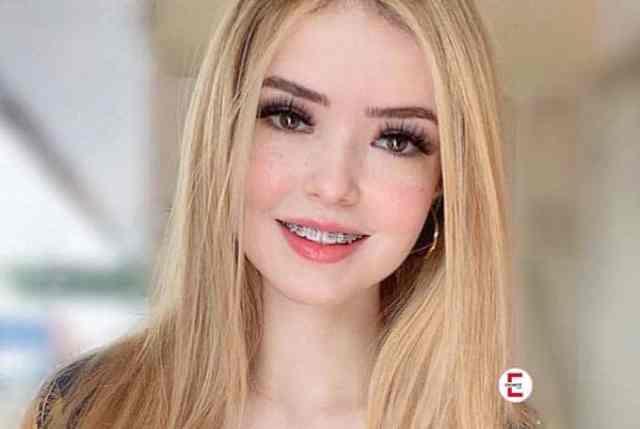 Verdammt sexy: blonde Latina und Instagram-Model