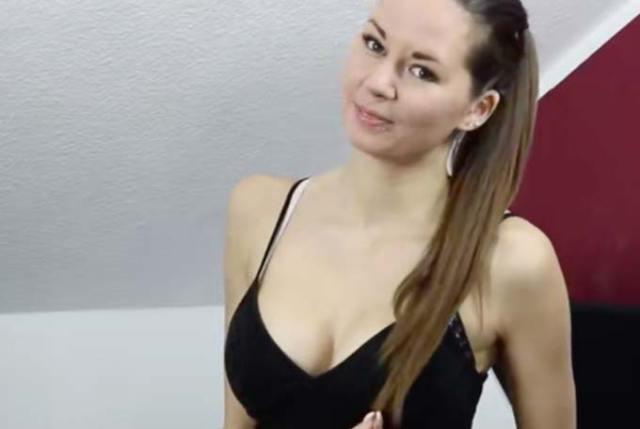Nora Devot Pornos zeigen die ungezogene Erzieherin