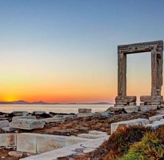 Combining urban beauty with Cycladic elegance: Athens, Paros & Naxos