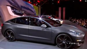 ct-tesla-model-3-unveiling-20160404