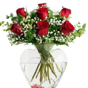 kalp vazo güller