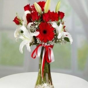 lilyum vazo çiçekleri