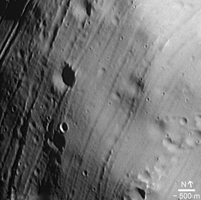 Uma das novas fotos de Phobos (http://www.esa.int)