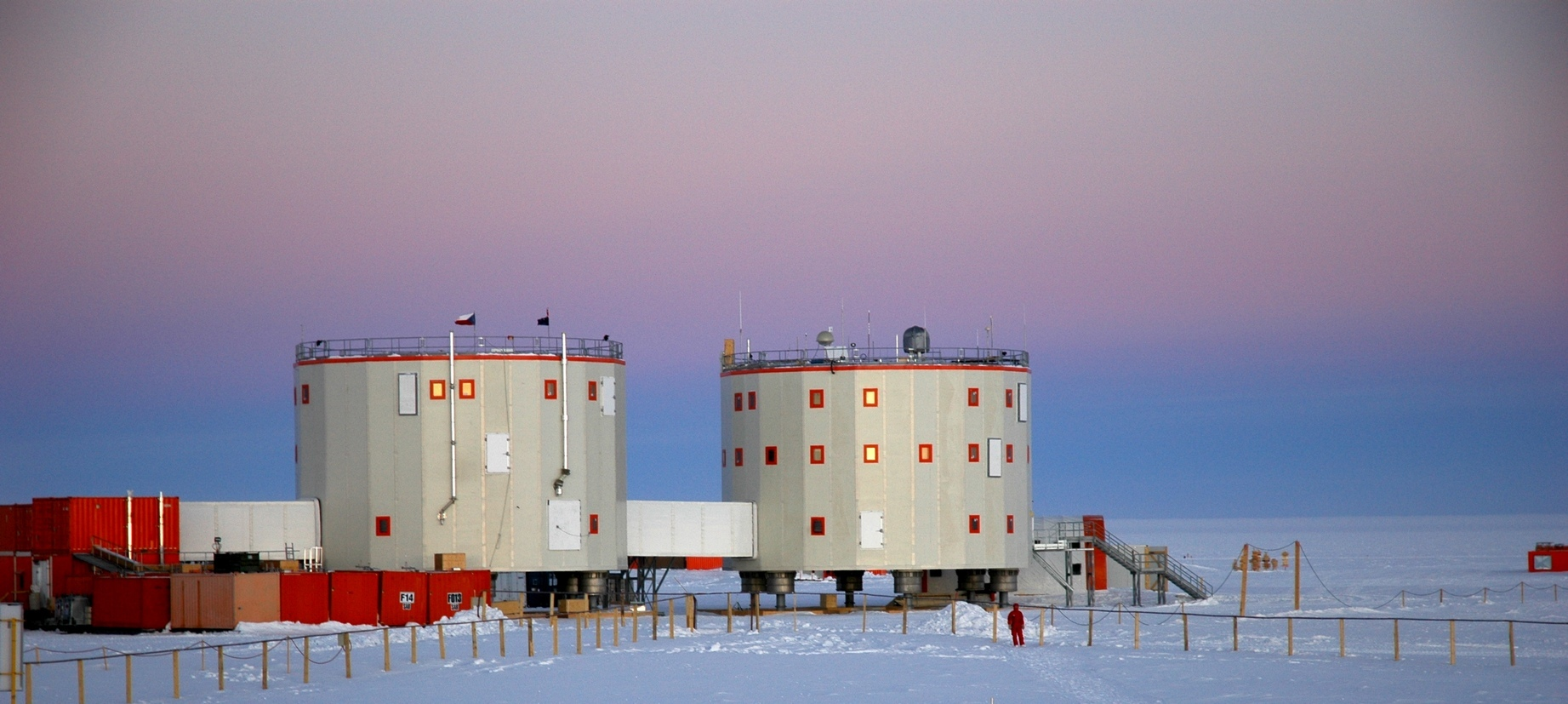 Resultado de imagen de concordia station antarctica