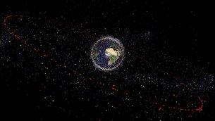 Distribución de objetos de desecho más de 10 centímetros en el espacio