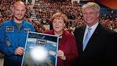 German_Chancellor_Angela_Merkel_with_ESA_s_Alexander_Gerst_and_Thomas_Reiter_small.jpg