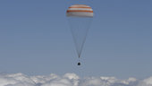 Landing_of_the_Soyuz_TMA-19M_spacecraft_small.jpg
