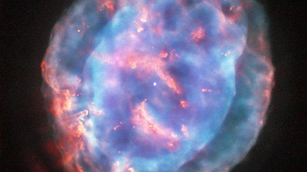 Little_Gem_Nebula_shows_off_its_jewel_tones_large.jpg