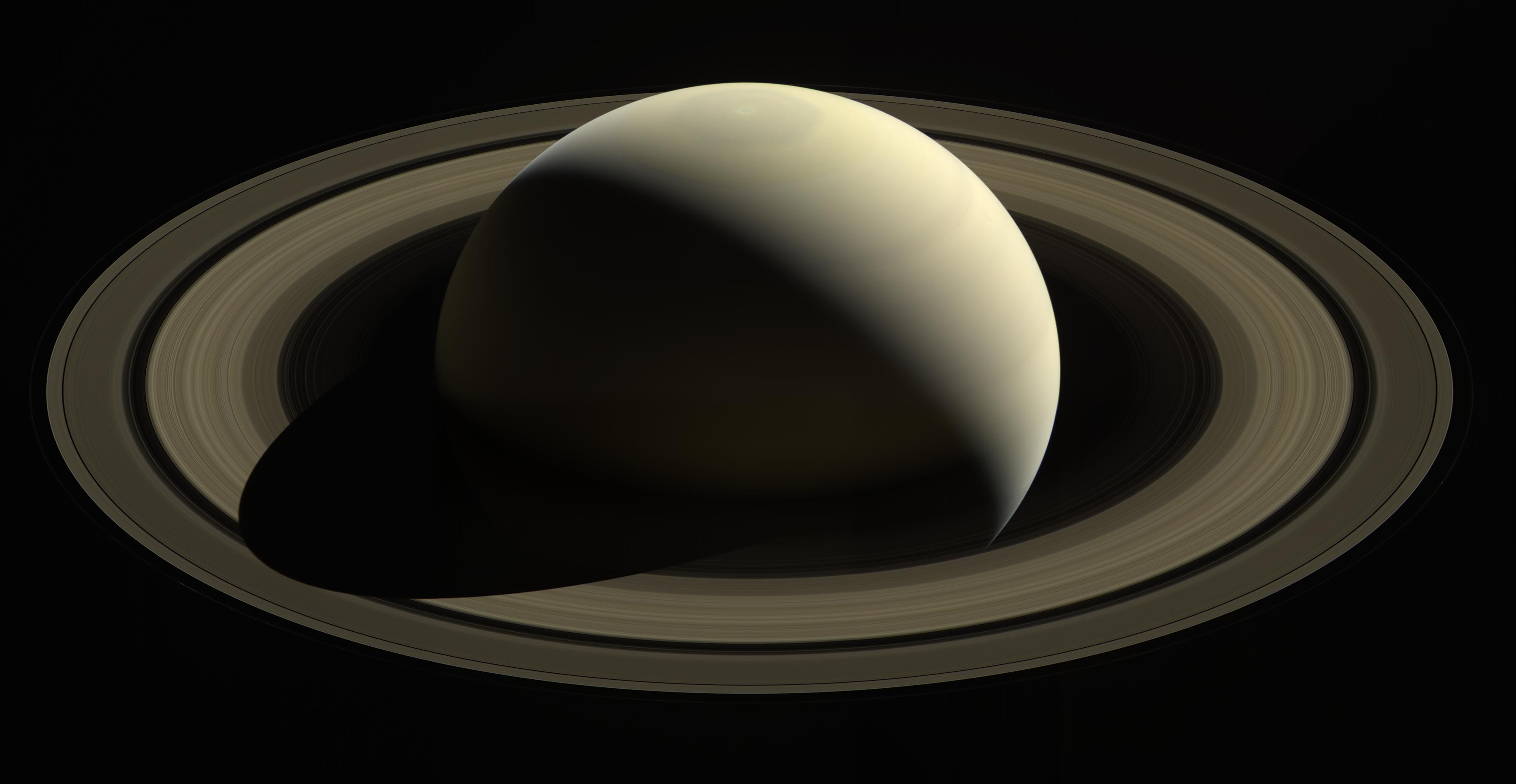 Space in Images  2017  09  Saturn