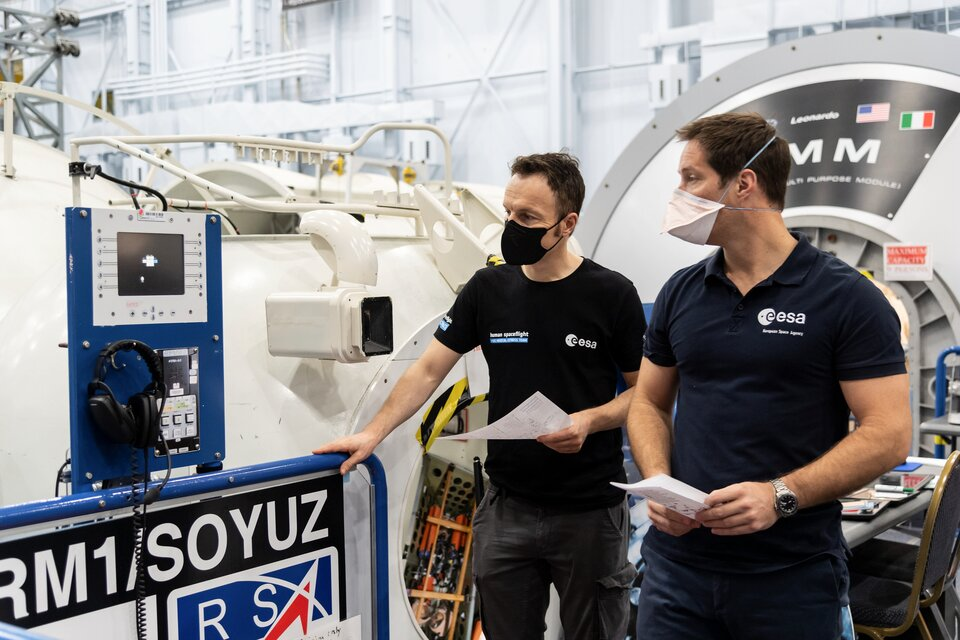 ESA astronauts Matthias Maurer and Thomas Pesquet training at NASA's Johnson Space Center