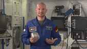ESA_astronaut_Alexander_Gerst_announces_the_selection_of_Mission_Space_Lab_codes_for_the_ISS_small.png