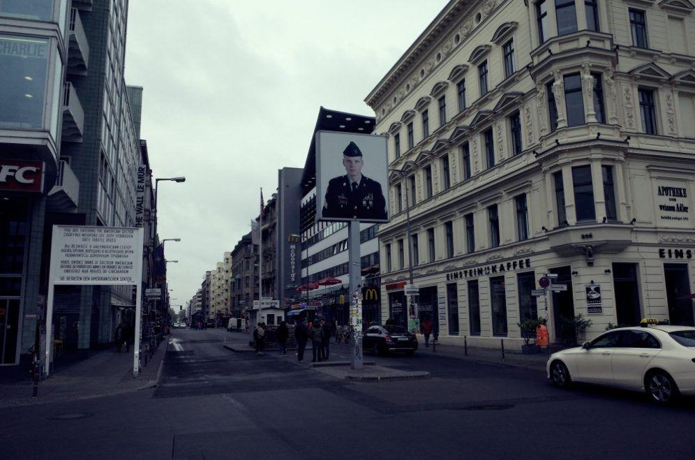 Antiguo Paso Fronterizo Checkpoint Charlie