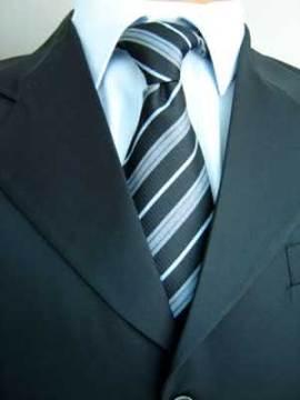 Igreja estipular uso de terno e gravata