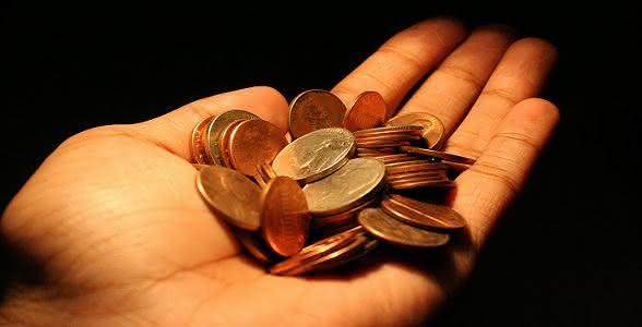 Fazer sacrifícios financeiros para receber a bênção de Deus?