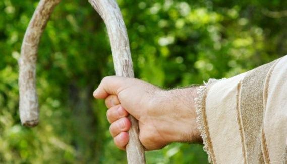 Devocionais #7 - O que é que você tem nas mãos?