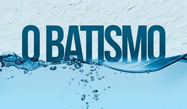 O que significa batismo por imersão e por aspersão?