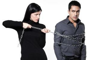 É verdade que um pouco de ciúme é bom para o relacionamento?