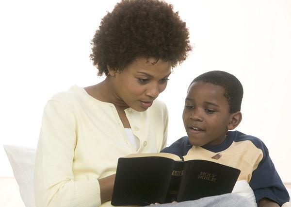 Como ensinar a Bíblia para crianças pequenas?