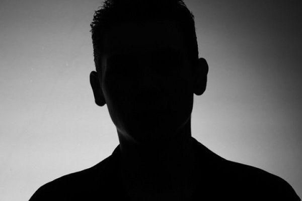 Resultado de imagem para sombra pessoa