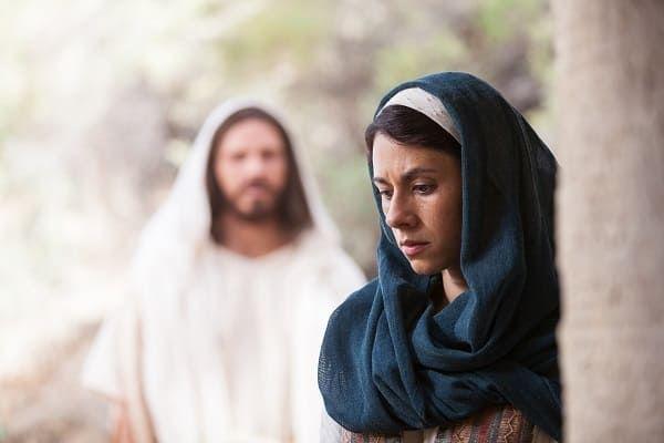 Maria Madalena era prostituta e amante de Jesus Cristo? Onde temos isso na Bíblia?