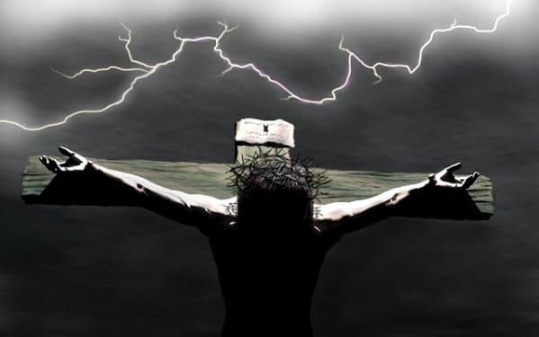 Por que Deus abandonou Jesus na cruz no momento mais difícil?